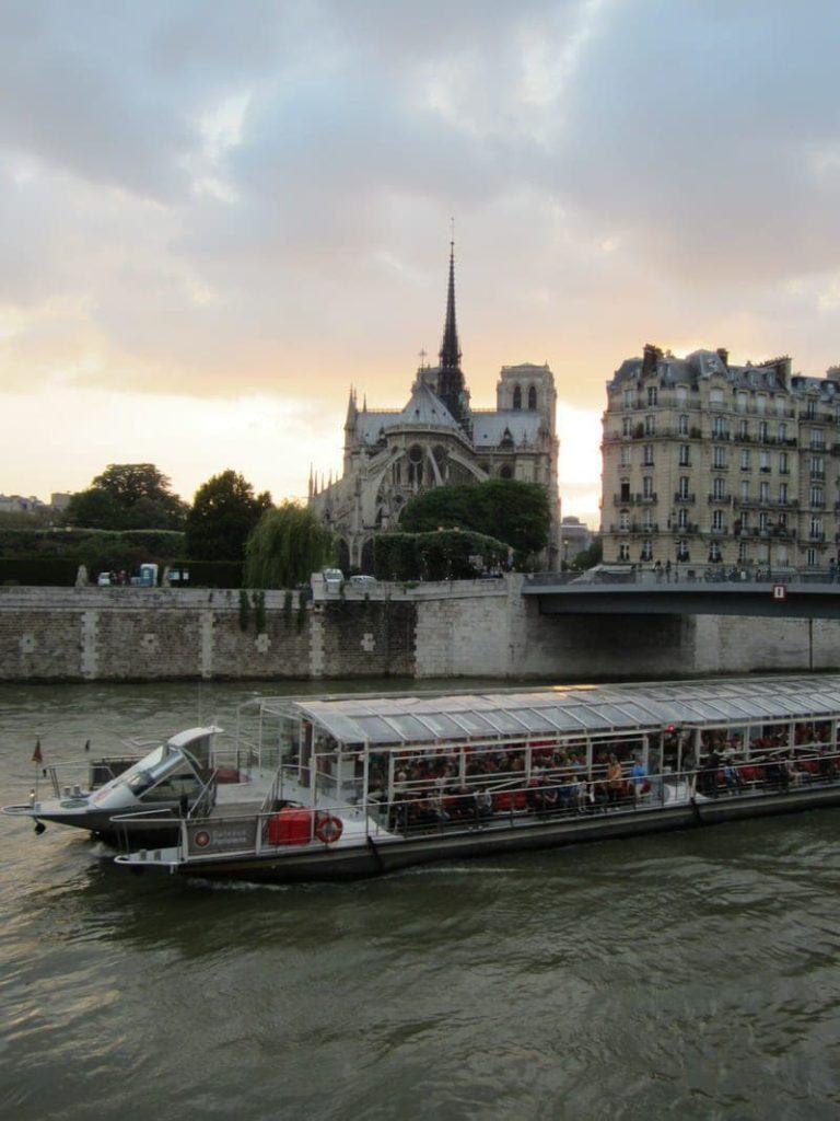 Seine cruise boat