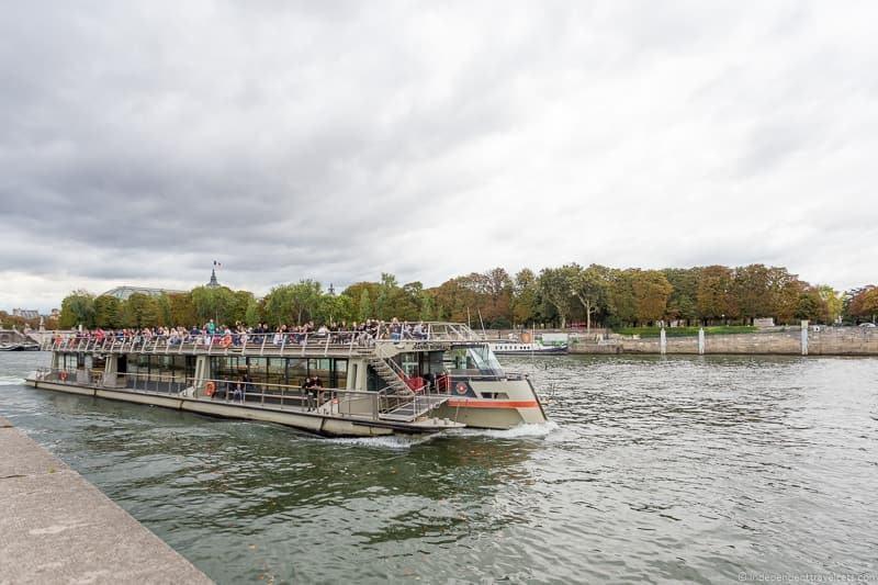 Bateaux Parisiens Paris Seine river cruises boat