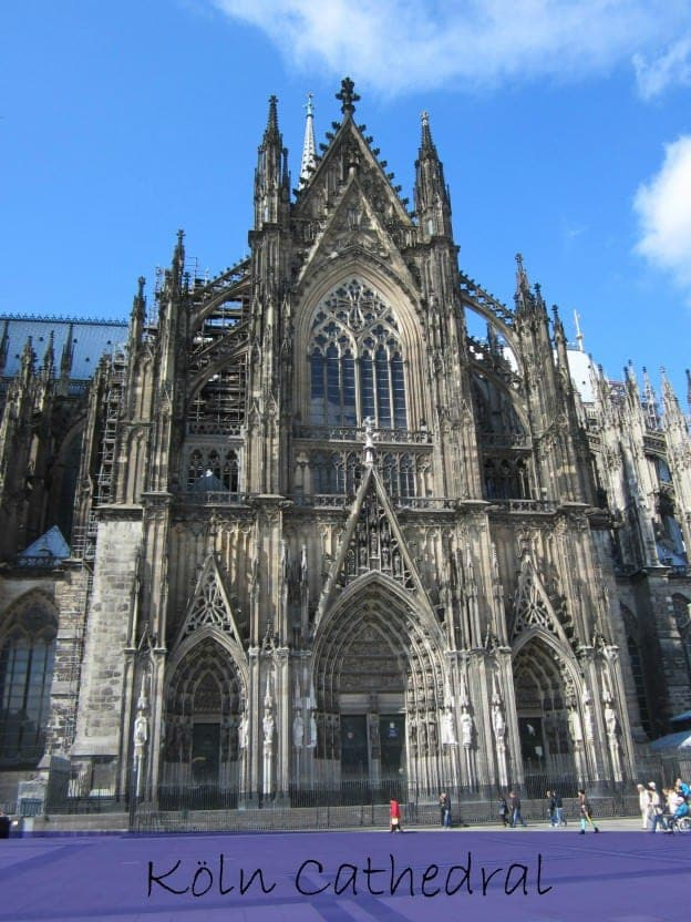a visit to the impressive gothic k ln cathedral in cologne germany. Black Bedroom Furniture Sets. Home Design Ideas