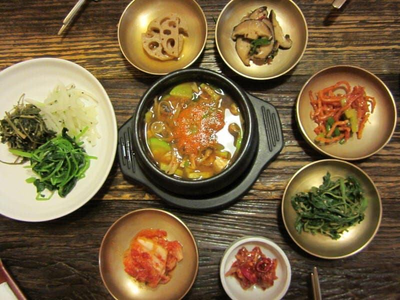 hanok houses in Seoul South Korea Nwijo restaurant
