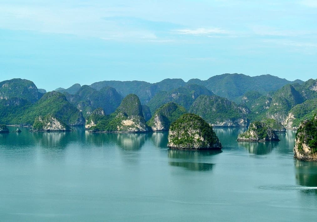 Guide to Halong Bay Cruises in Vietnam Plus Our Cruise with The Au Co - Independent Travel Cats