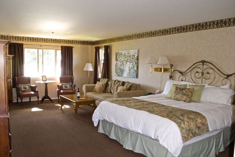 Back Bay Inn Los Osos Baywood Park bed and breakfast room