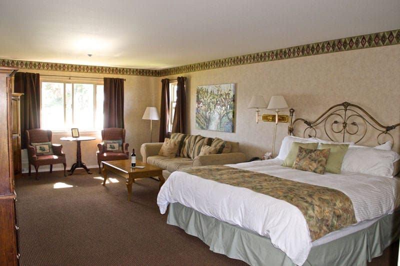 Back Bay Inn Los Osos Baywood Park bed and breakfast room