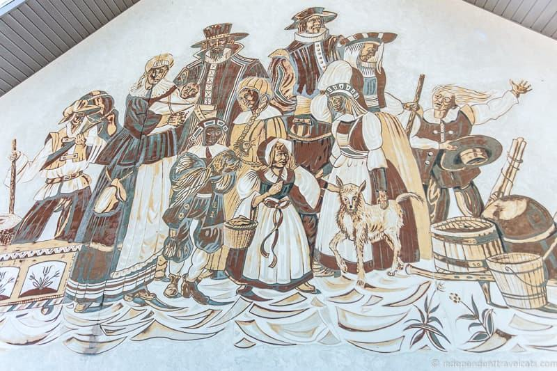 Amish mural Mennonites things to do in Amish Country Ohio visiting Holmes County Ohio