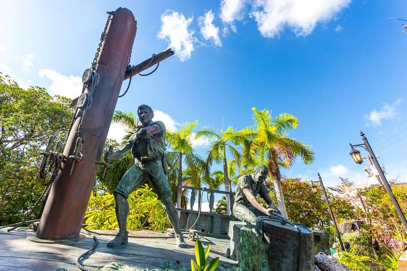 Sculpture garden Hemingway in Key West Florida