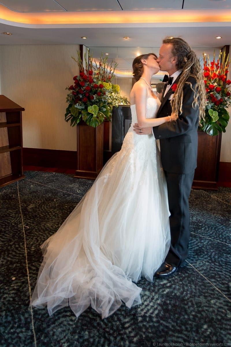 Wedding ceremony queen mary 2 couple