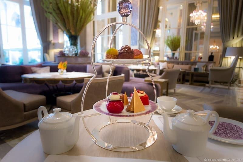 Hôtel de Crillon afternoon tea in Paris guide