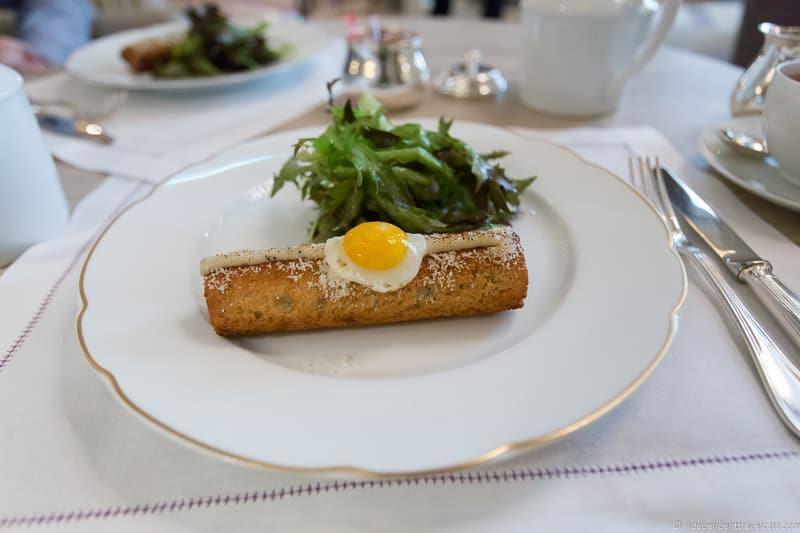 Hôtel de Crillon afternoon tea in Paris guide