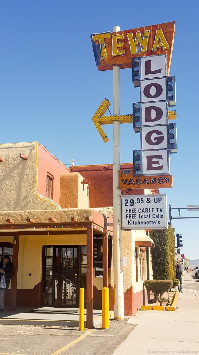 Tewa Lodge motel Route 66 in Albuquerque New Mexico highlights