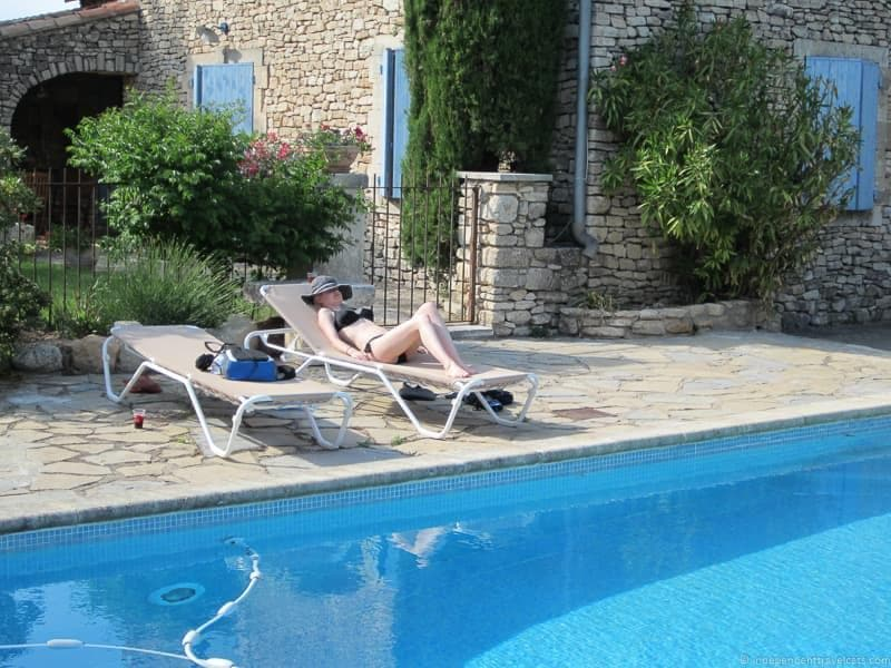 Provence websites like AirBnB alternatives booking apartments vacation rentals online