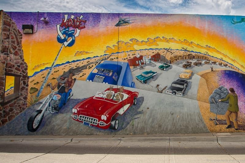 public mural Route 66 in Albuquerque New Mexico highlights
