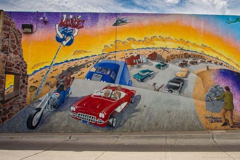 public mural Route 66 in Albuquerque New Mexico highlights