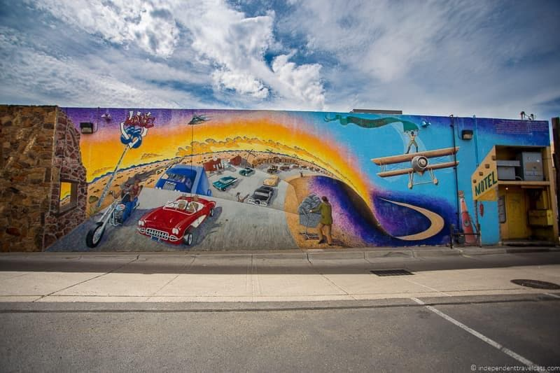 mural Route 66 in Albuquerque New Mexico highlights