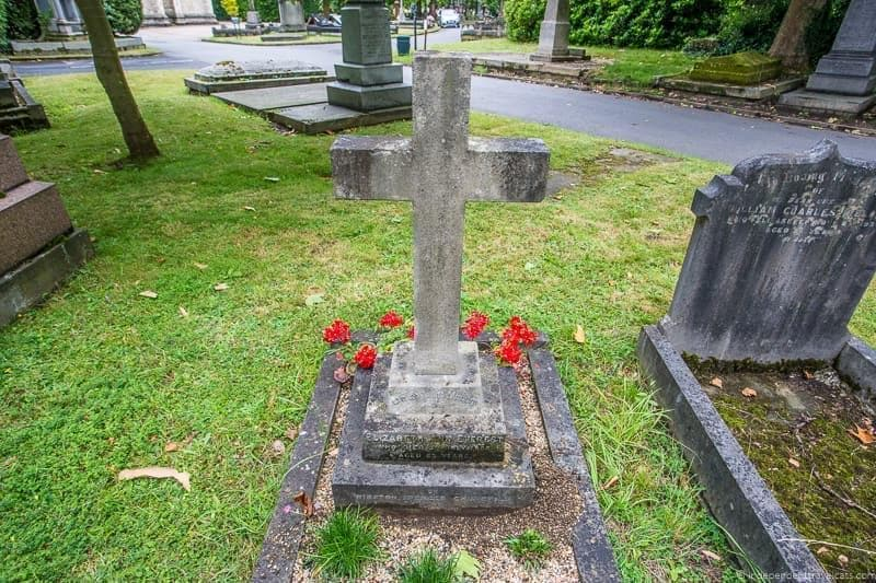 Elizabeth Ann Everest grave Winston Churchill in London sites attractions England UK