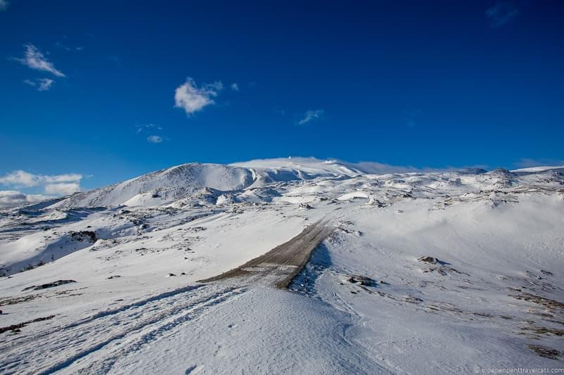 Highland roads driving in Iceland in winter advice during winter months