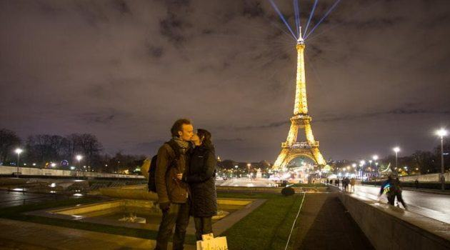 travel photography how to take great Couple Photos while Traveling travel photos