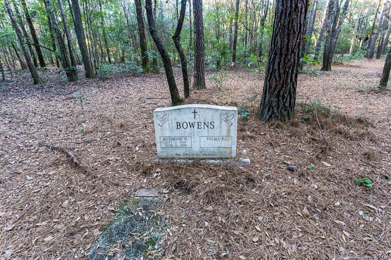 Richmond Bowens grave cemetery Drayton Hall Charleston plantations guide South Carolina plantation tours