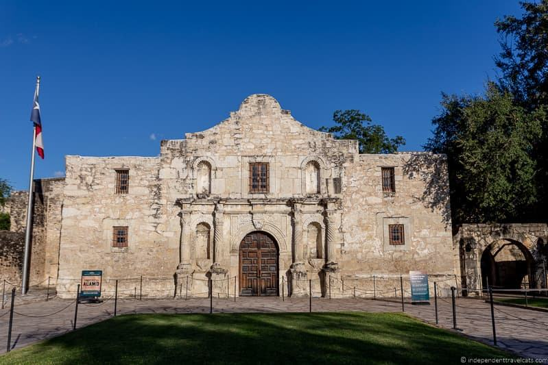 The Alamo facade A guide to visiting The Alamo in San Antonio Texas San Antonio Missions National Historical Park