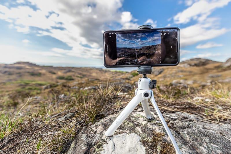 best mini tripod for smartphone best travel tripods Vanguard Vesta TT