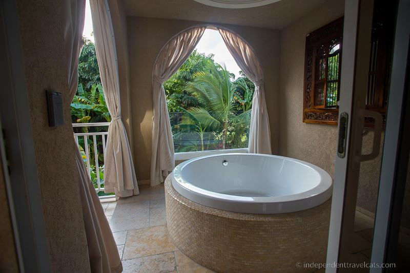 outside bathtub taking a bath while traveling travel tips for bath lovers outdoor bathing