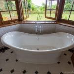 taking a bath while traveling travel tips for bath lovers bathtub Tea Trails
