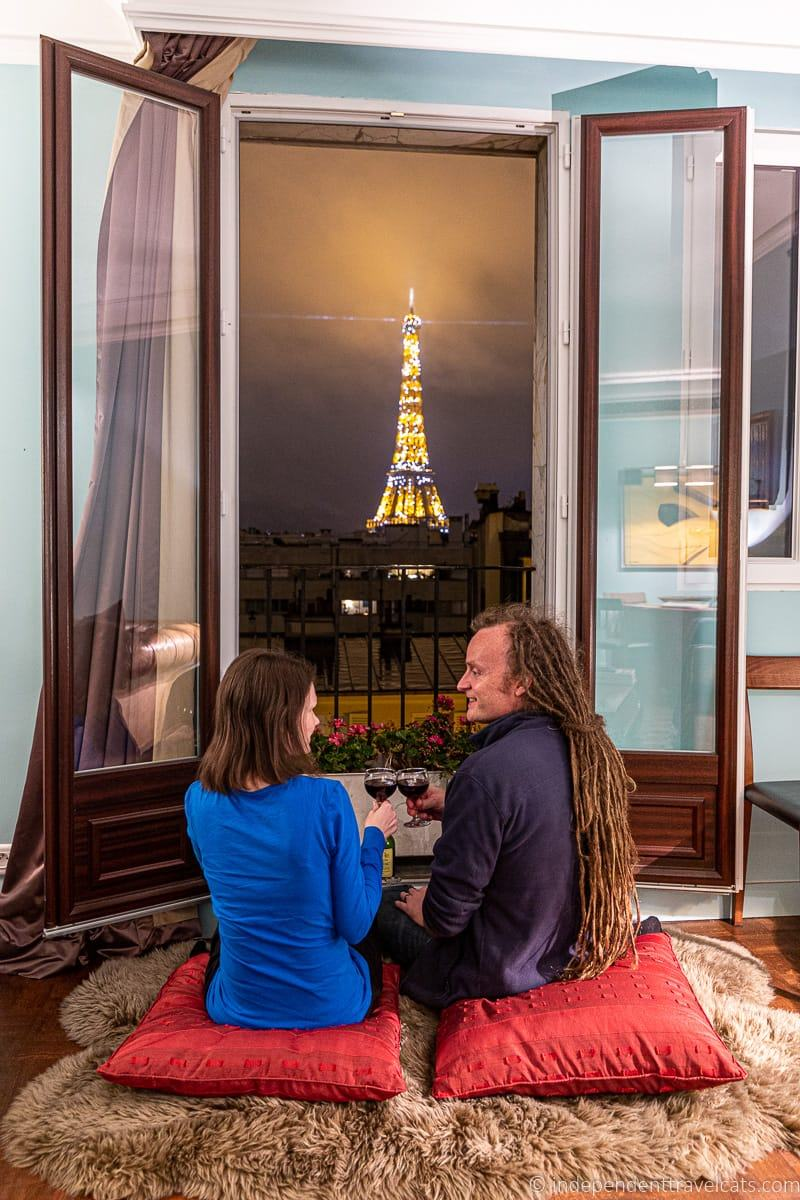 Plum Guide review apartment with view of Eiffel Tower in Paris